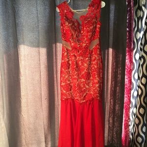 Long open back lace red dress
